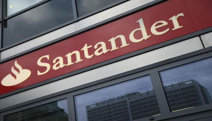 Santander and Nationwide rated best student bank account providers by Which?