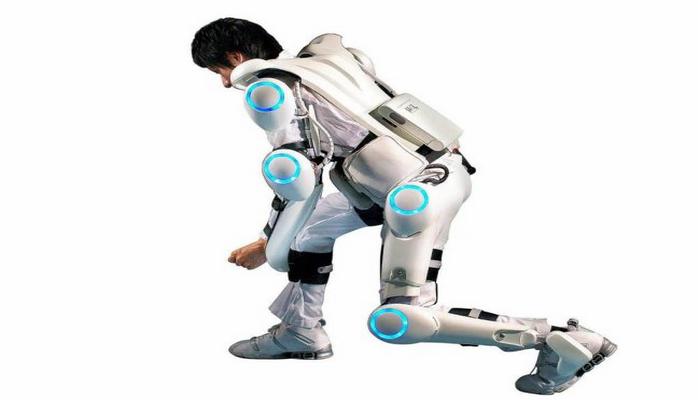 """LG """"gəzdirilən robot"""" adlandırılan CLOi SuitBot ağıllı ekzoskeleti hazırladı"""