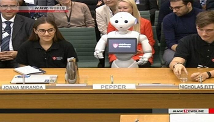 Robot tarixdə ilk dəfə Böyük Britaniya parlamentində çıxış edib