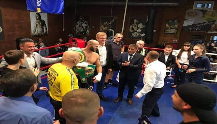 В Украине прошло соревнование по профессиональному боксу, посвященное памяти Гейдара Алиева