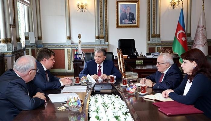 Между НАНА и Российским геологоразведочным университетом подписан договор о сотрудничестве