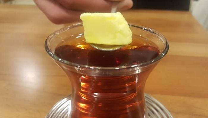 Yeməkdən sonra yağlı çay  için - Türkiyəli dieotoloq açıqladı