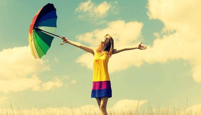Mutluluk uzaklarda değil: Hayatınıza mutluluğu davet etmenizi sağlayacak 9 öneri