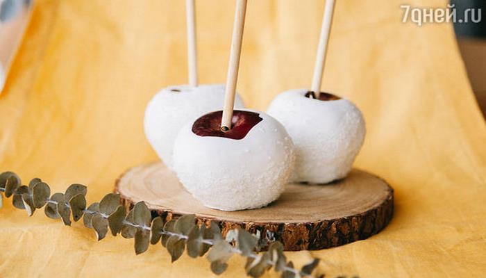 Яблоки в белом шоколаде: рецепт семейного лакомства