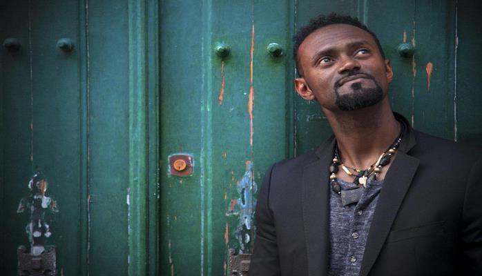 Африканский Стинг едет в Баку