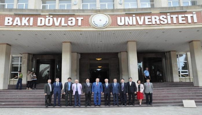 Вьетнамская делегация посетила Бакинский госуниверситет