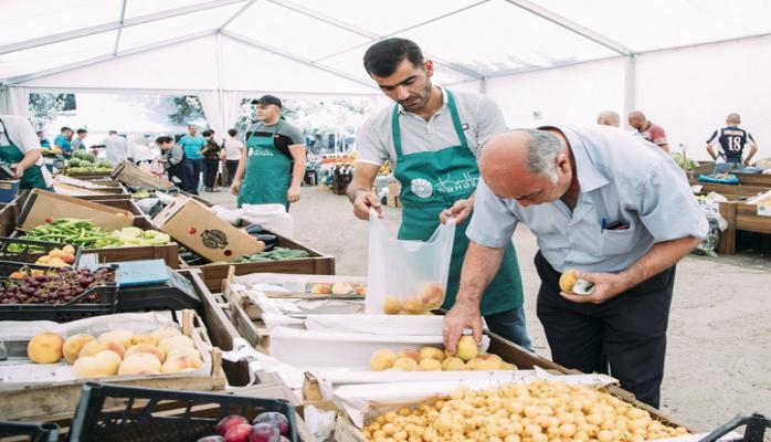 В Баку продлено время проведения ярмарки 'Из села в город'