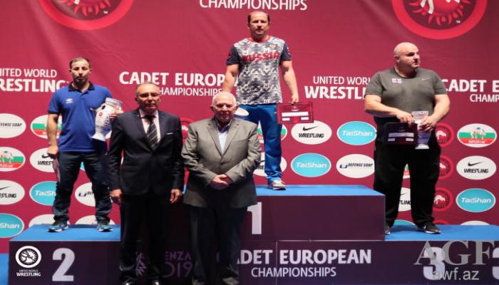 Сборная Азербайджана по греко-римской борьбе заняла второе место на чемпионате Европы
