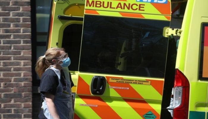 Britaniyada bir gündə koronavirusdan 412 nəfər ölüb