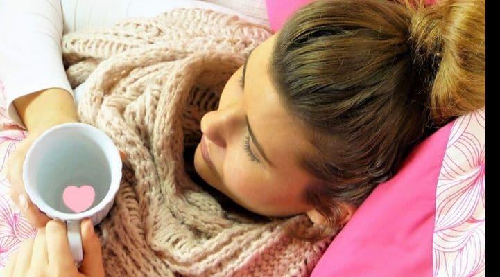 Terapevtdən xəbərdarlıq: Qrip üçün olan toz dərmanları qarışdırıb içməyin