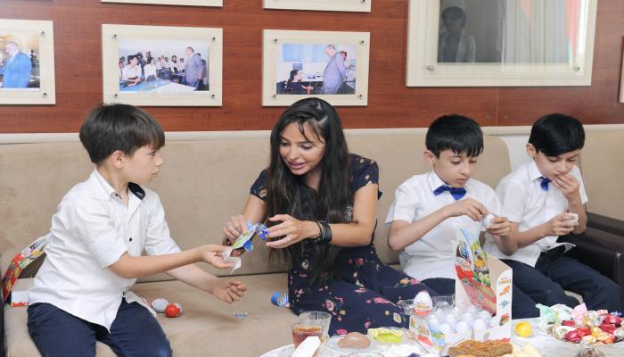 Вице-президент Фонда Гейдара Алиева Лейла Алиева посетила столичные школы-интернаты номер 4 и 3
