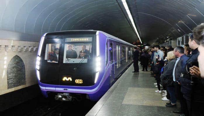 Пассажиров бакинского метро высадили из вагонов