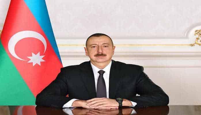 Президент Ильхам Алиев наградил группу сотрудников Сумгайытского драматического театра
