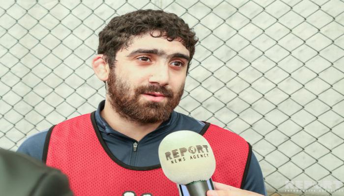 Азербайджанский борец-чемпион меняет весовую категорию