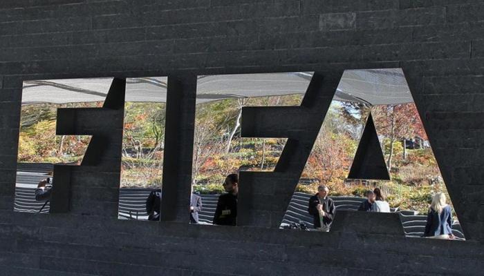 FIFA futbola sərmayəni 5 dəfə artırdı