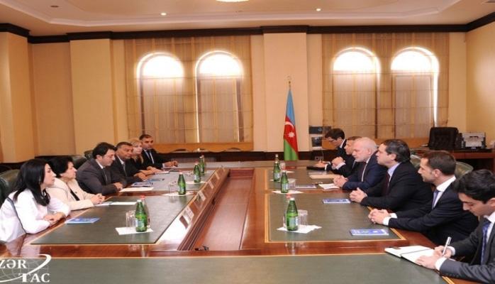 Глава азербайджанской общины Нагорного Карабаха встретился с сопредседателями