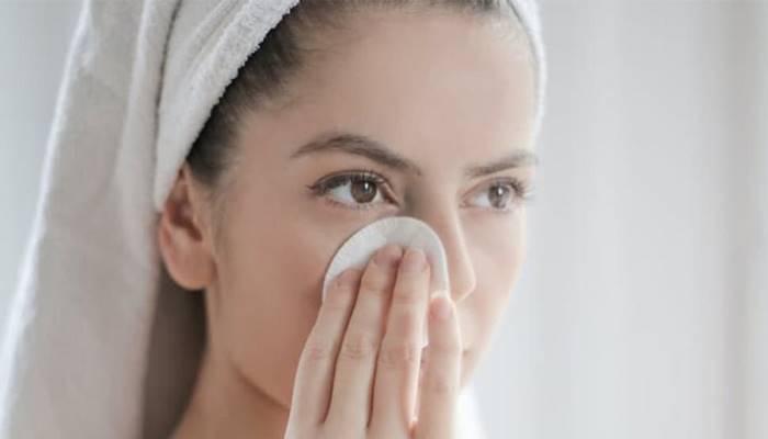 10 dakikada evde yapabileceğiniz makyaj temizleyici tarifi