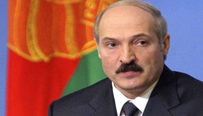 Lukaşenko iki naziri istefaya göndərdi