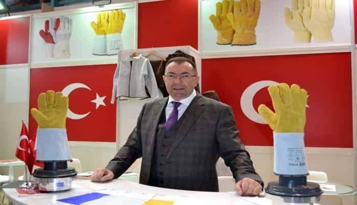 Bursa'da cezaevi mahkumlarına eldiven diktirip, ihraç ediyor