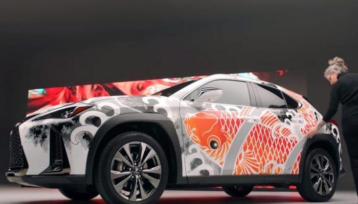 Lexus dünyanın ilk tatu edilmiş maşınını nümayiş etdirib