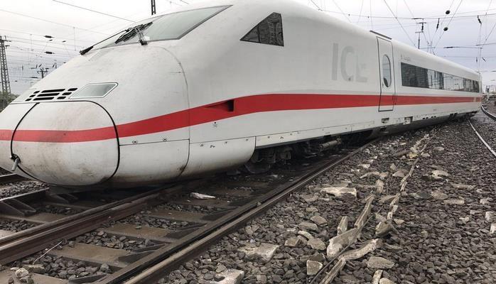 В Испании представили прототип сверхскоростного поезда Hyperloop - СМИ