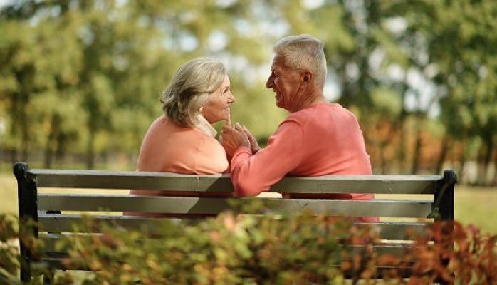 Ученые перечислили три этапа старения