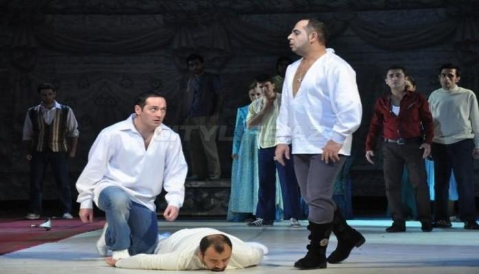 """Спектакль """"Ромео и Джульетта"""" - на сцене бакинского ТЮЗ"""