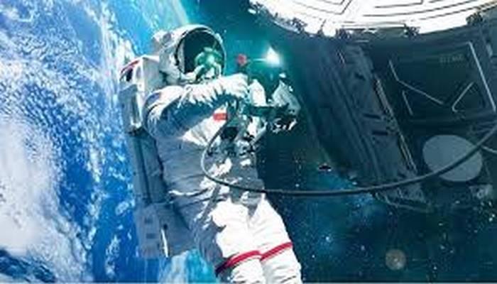 Uzay Geminizin Gövdesi Delinirse Nasıl Tamir Edersiniz?