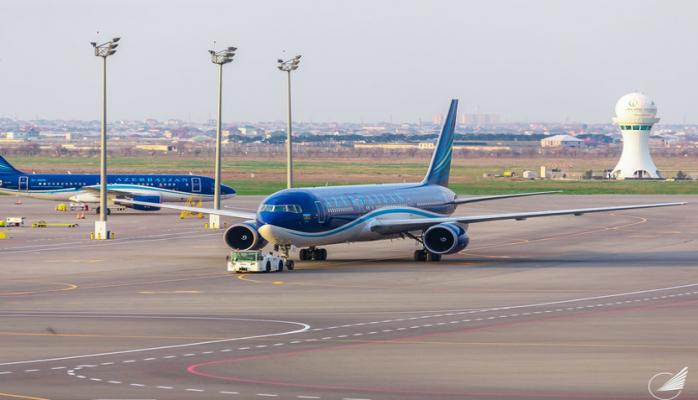 Авиарейс Нью-Йорк-Баку совершил вынужденную посадку в аэропорту Гянджи