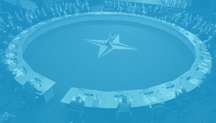 NATO savunma sistemlerini Rusya'nın orta menzilli nükleer füzelerine karşı geliştirme konusunda kararsız