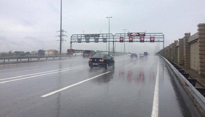 На дороге Аэропорт - Бильгя снижена максимальная скорость движения