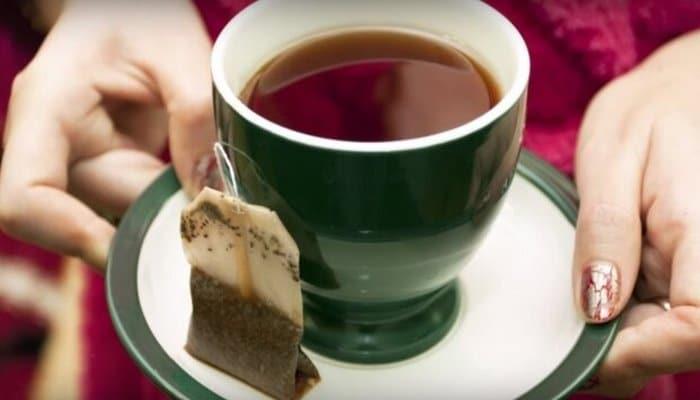 Избавьтесь сегодня же: врачи предупредили об опасности чая в пакетиках