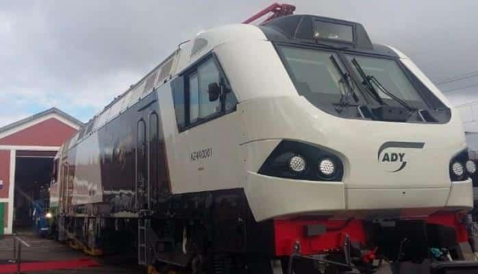 В Азербайджан доставлены локомотивы, развивающие скорость 159 км/час