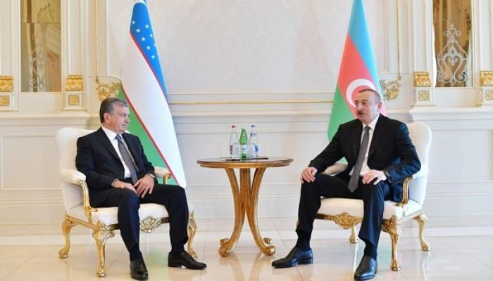 Мирзиёев поздравил Ильхама Алиева