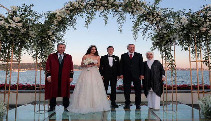 Эрдоган стал свидетелем на свадьбе Месута Озила