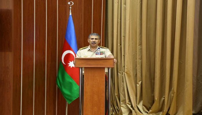 Закир Гасанов приказал немедленно пресекать возможные провокации ВС Армении