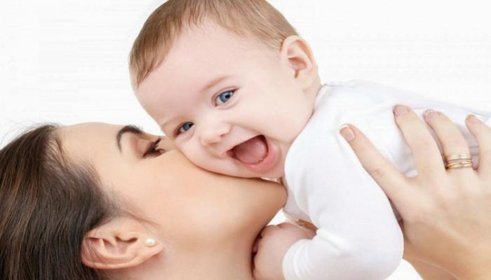 В Азербайджане обнародовано число переданных на усыновление детей