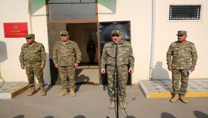 Генеральный прокурор и военный прокурор посетили воинские части в прифронтовой зоне