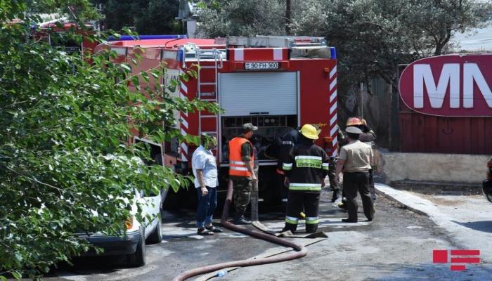 МЧС: В результате разрыва выпущенных Арменией снарядов на гражданских объектах в селах Агдама и Тертера произошел пожар