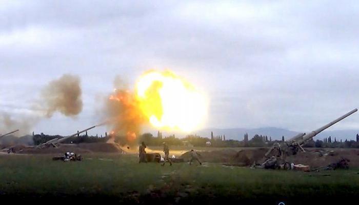 Подразделения Азербайджанской Армии наносят артиллерийские удары по позициям противника