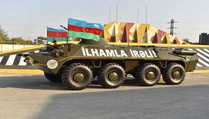 DSX-ya BTR-70M tipli zirehli nəqliyyat vasitəsi hədiyyə edilib