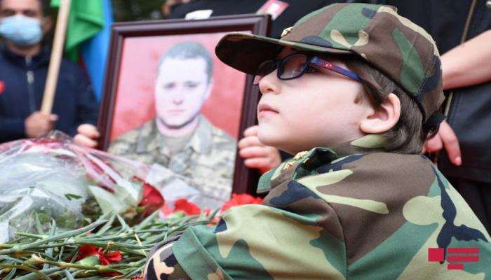 Azərbaycan Ordusunun şəhid hərbçisi Dmitri Solnsev dəfn olunub