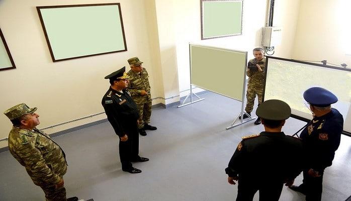 Министр обороны Азербайджана принял участие в открытии пункта управления новой РЛС ВВС