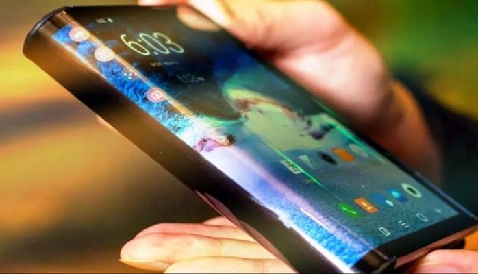 Samsung-un ilk əyilə bilən smartfon modeli ilə bağlı məlumatlar sızdırılıb