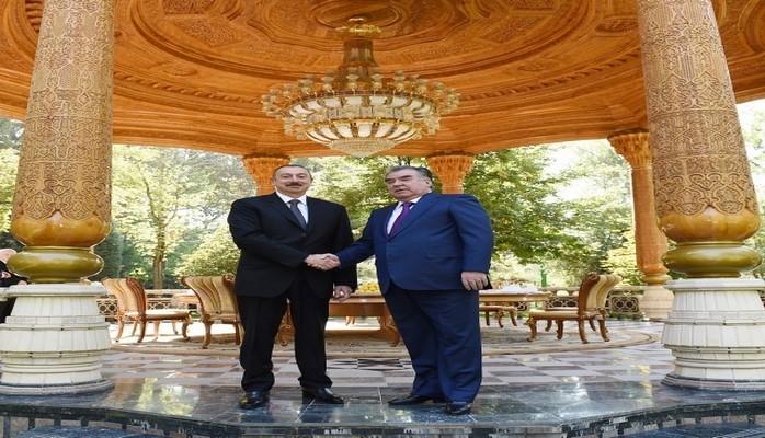 Президент Ильхам Алиев принял участие во встрече в ограниченном составе Совета глав государств СНГ в Душанбе