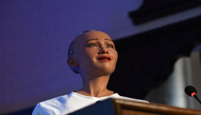 Honkonq laboratoriyasında robot Sofiya üçün əlavə proqramlar hazırlanır