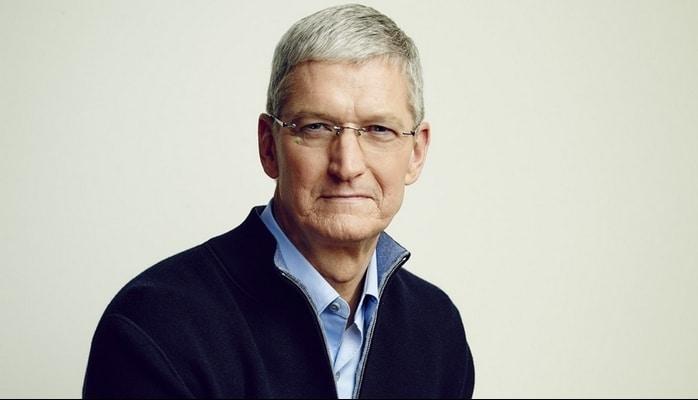 """""""Apple""""ın rəhbəri şirkətin 280 min səhmini ala bilər"""