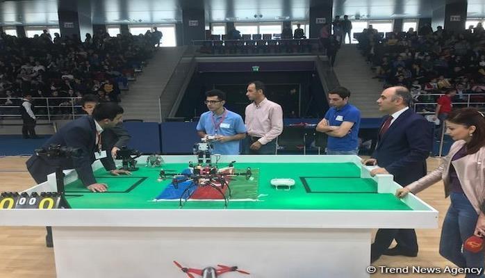В Баку проходит II Олимпиада роботов