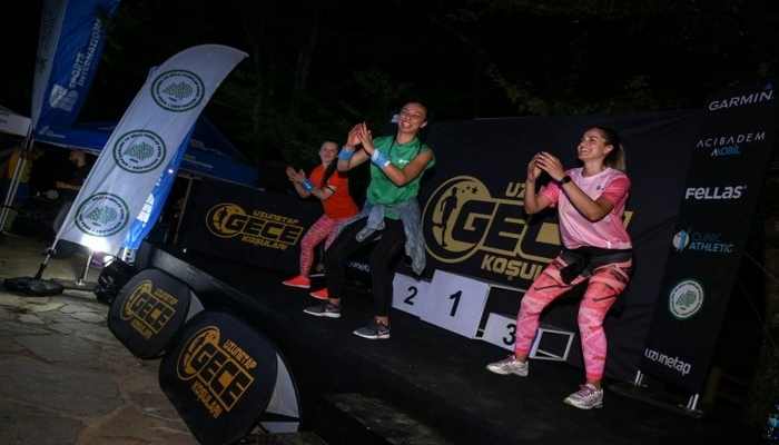 Belgradı Orman'ı gece koşusu ile renklendi