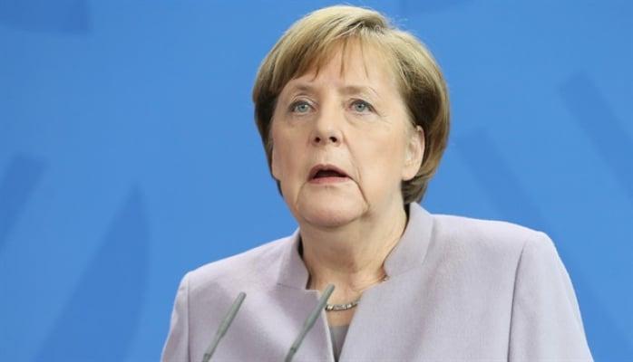 Merkeldən şok etiraf: Parisdə qalib Putin oldu